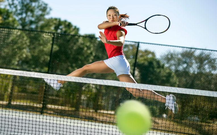 Chơi tennis như tay chơi chuyên nghiệp