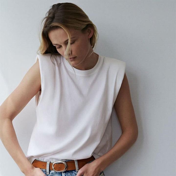 Áo không tay vừa vặn cho cơ thể giúp bạn thoải mái khi mặc mà không quá lộ ngấn mỡ