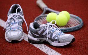Top 10 giày chơi tennis nam tốt nhất năm 2018